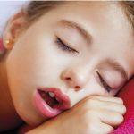 Respirar pela boca pode provocar alterações no crescimento da face